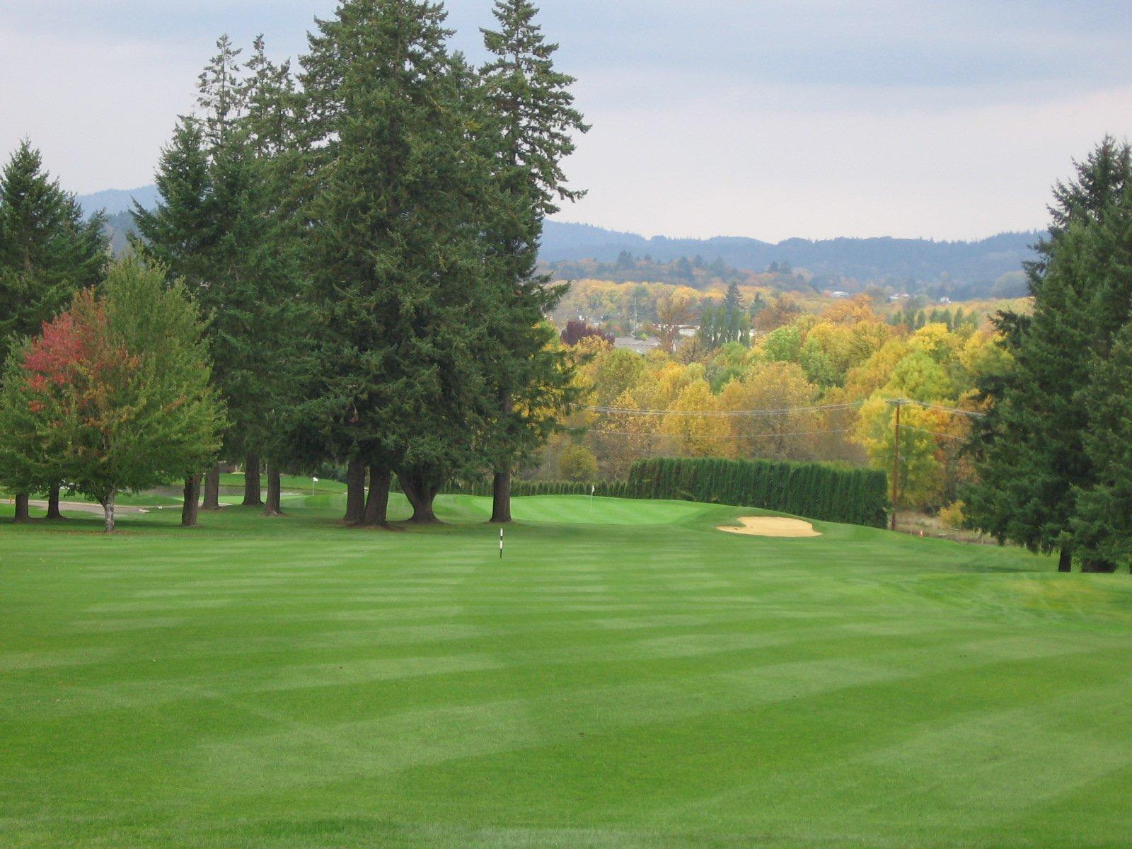 Corvallis Club 1st hole tee box